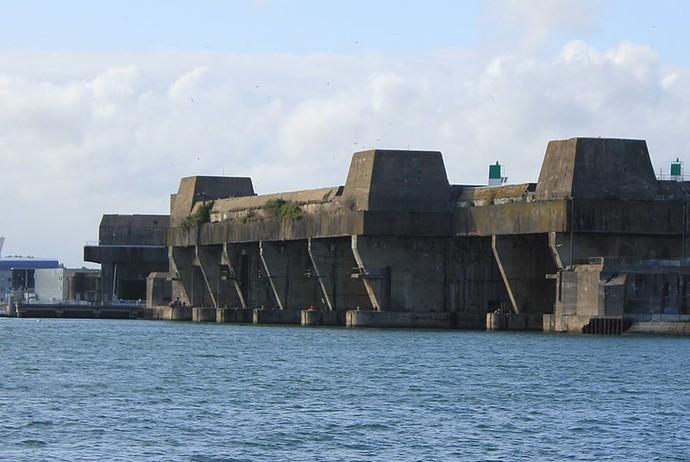 В логове «волчьих стай»: бункеры для подводных лодок Третьего рейха