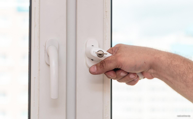 Не поворачивается ручка балконной двери - решение проблемы.