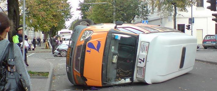 Участники форума Auto Onliner стали очевидцами аварии с маршрутным такси 7 в Бресте.  По данным ГАИ, сегодня в 9:50...