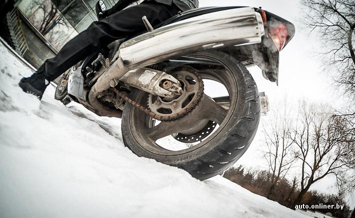 В 2008 у девушки нога попала в заднее колесо мопеда