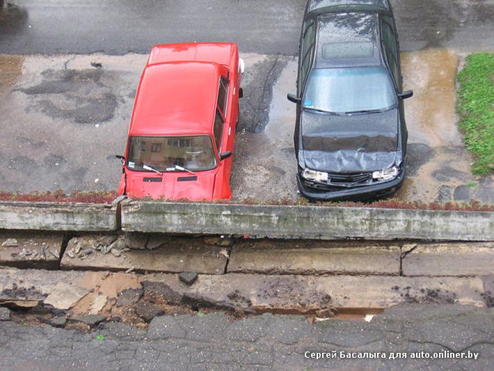 Из-за ливня в Новополоцке упала стена, а в Витебске подмыло мост