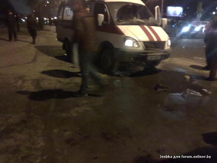 В курасовщине столкнулись скорая и грузовик видеорегистратор прошивки для авторегистраторов