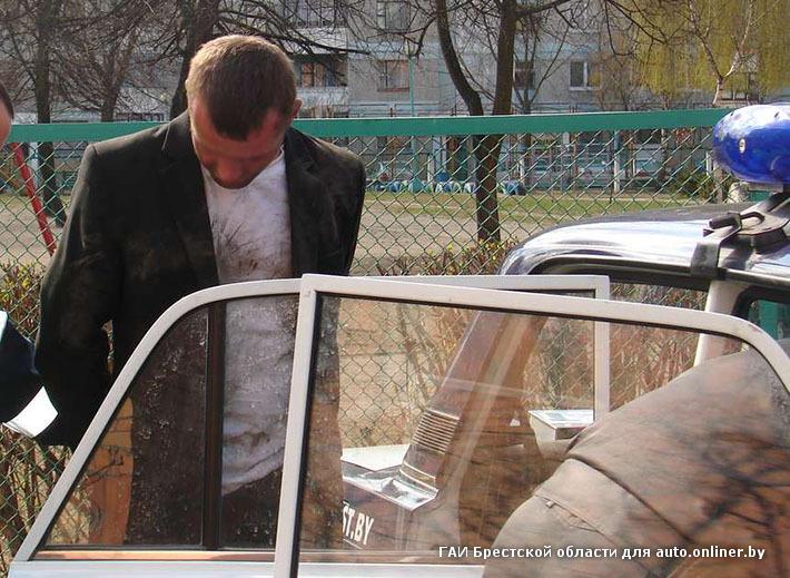 В Бресте пьяный водитель разбил две патрульные машины ГАИ
