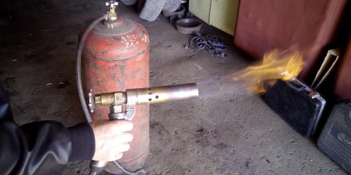 Как сделать паяльная лампа