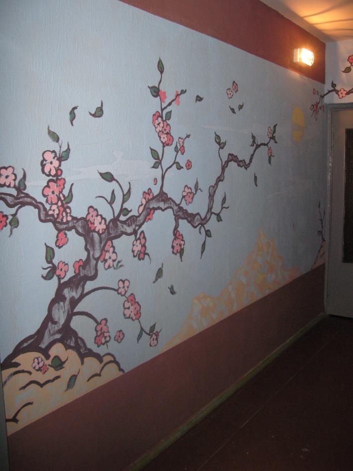 Трафареты на стену своими руками в подъезде