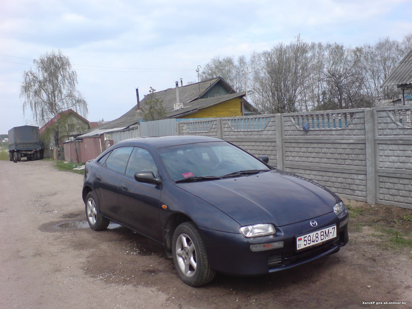 Mazda 323 F