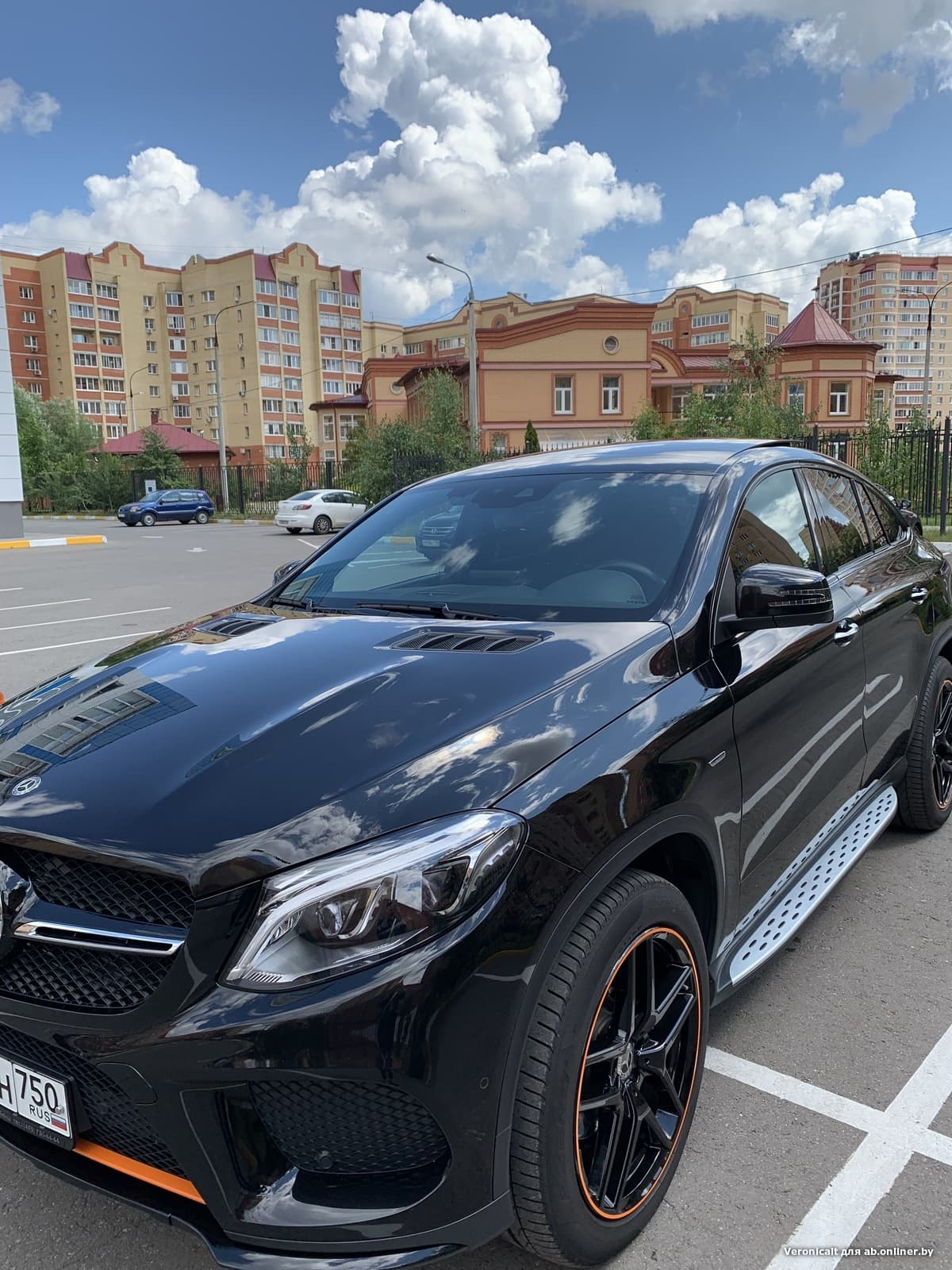 Mercedes-Benz GLE350 coupe AMG orange art edition