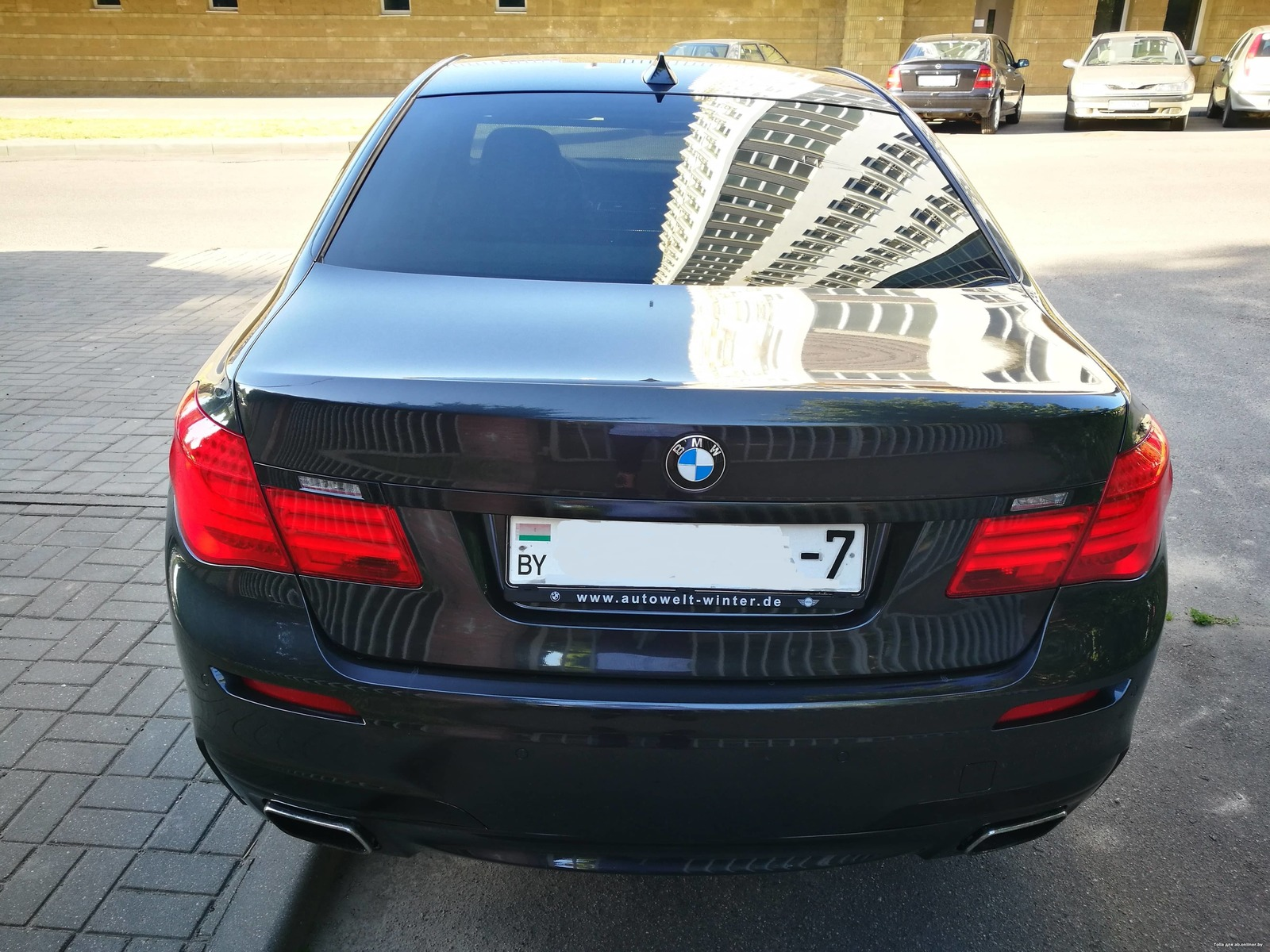 BMW 750 xDrive F01(не Long!)