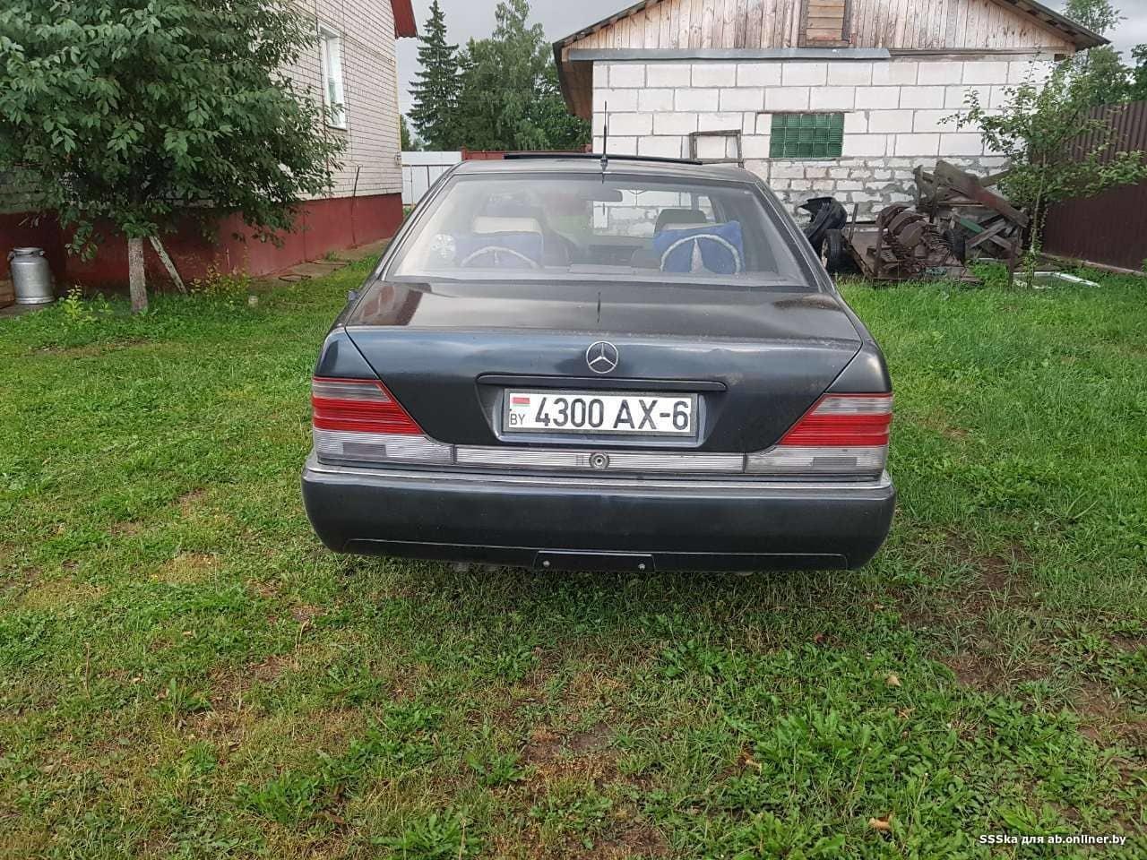 Mercedes-Benz S300 W140