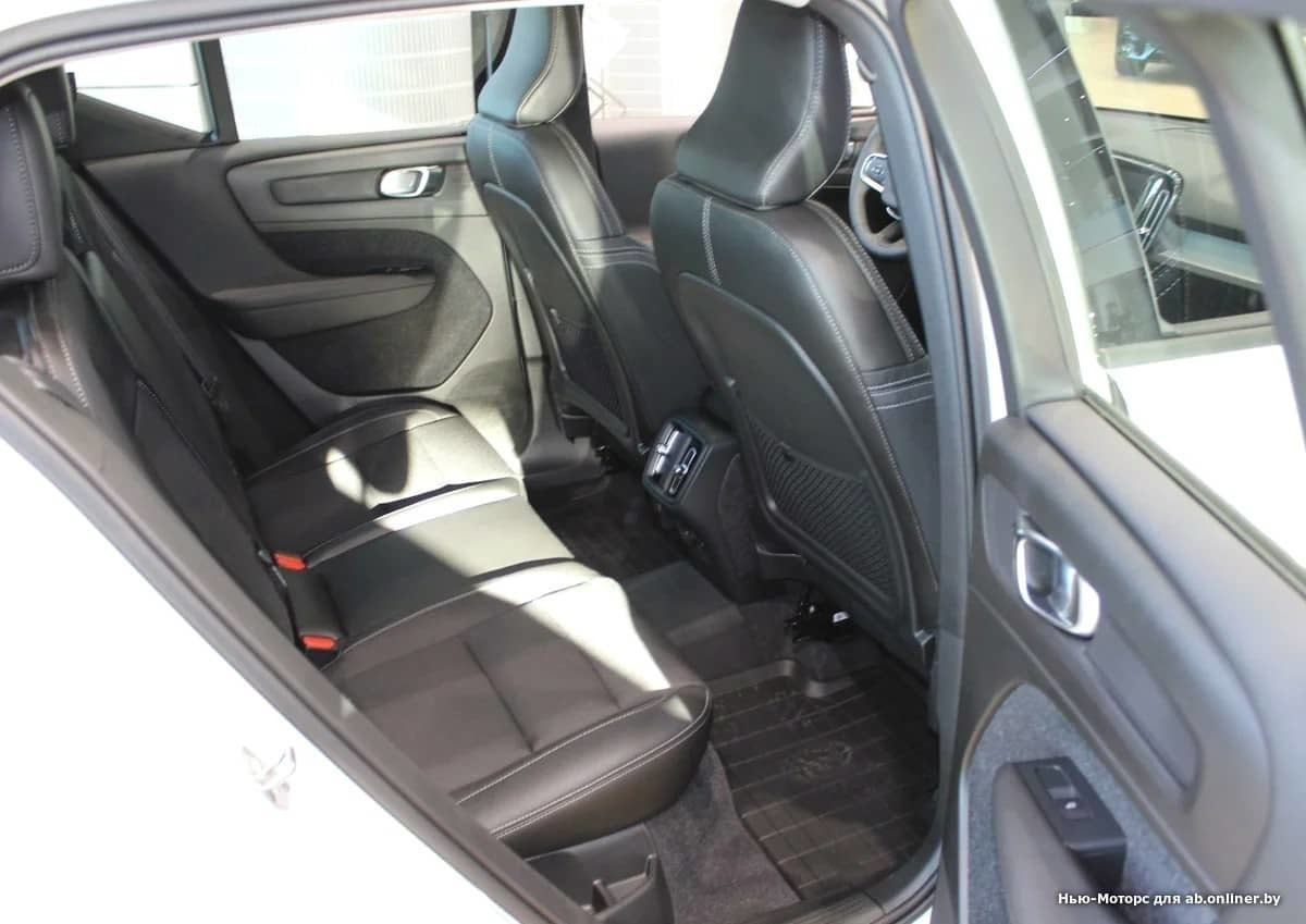 Volvo XC40 Momentum D3 Drive-E150 АКП