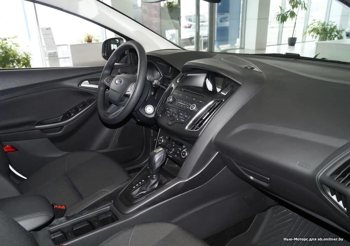 Ford Focus TREND PLUS 1.6 л 6АКП