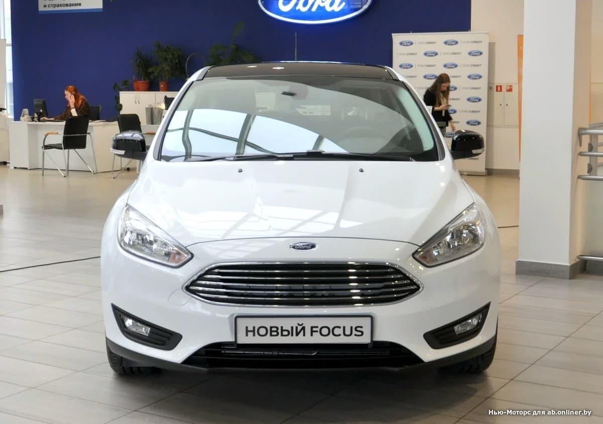 Ford Focus WHITE and BLACK 1.6 л 6АКП