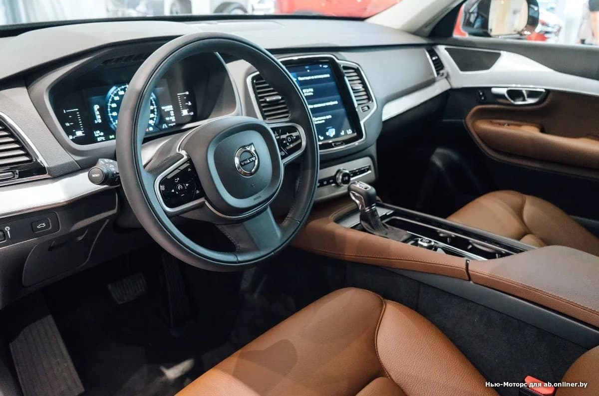 Volvo XC90 Momentum D5 AWD Drive-E 235 л