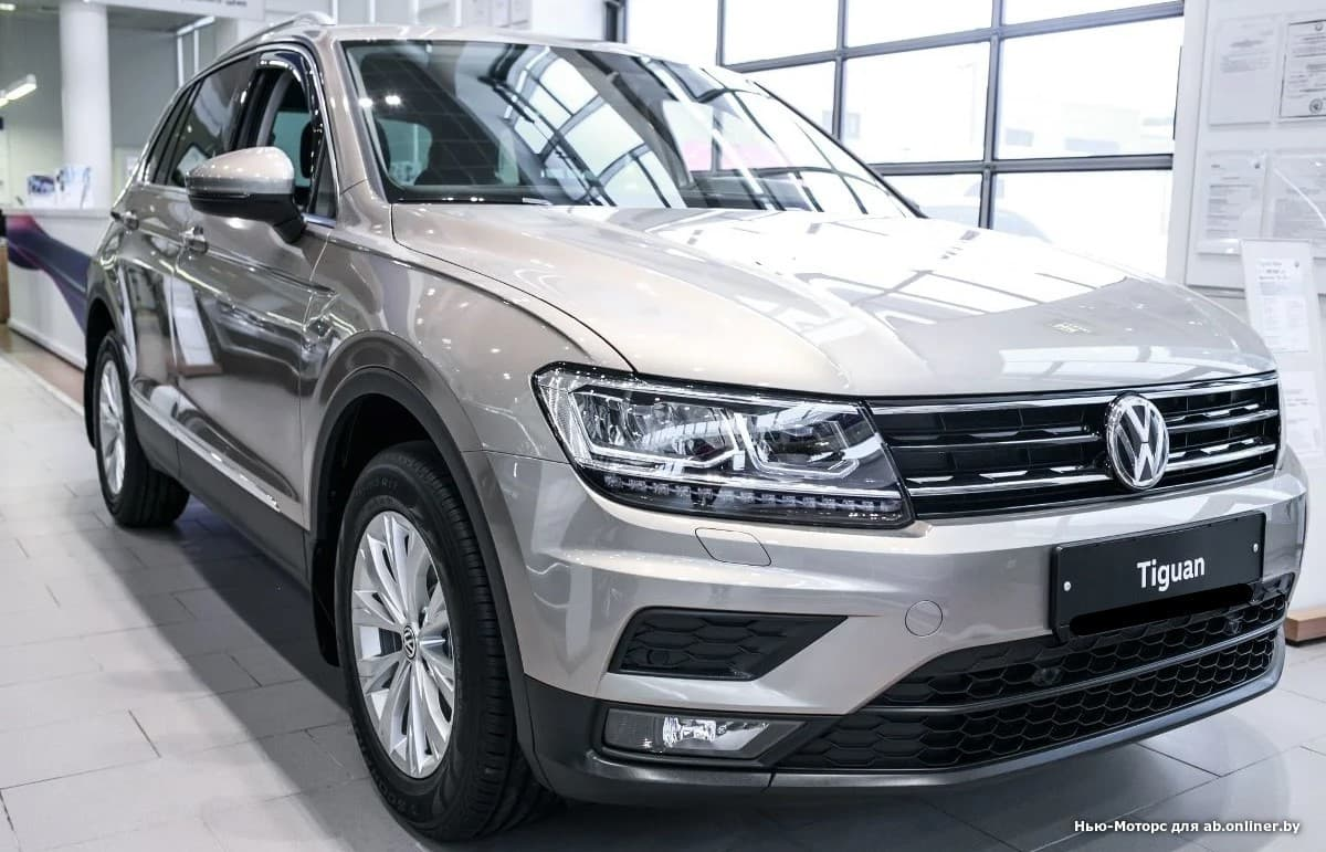 Volkswagen Tiguan CONNECT PLUS 2.0 TSI 180