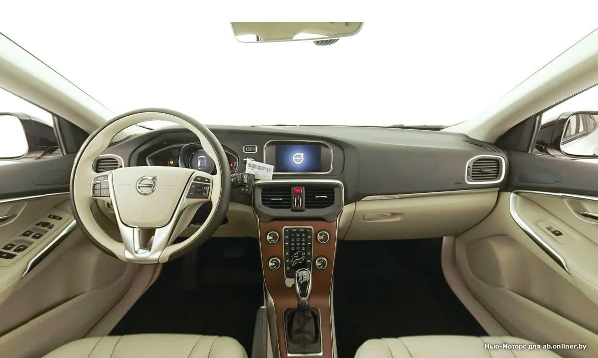 Volvo V40 Summum D2 Drive-E 120 л.с.