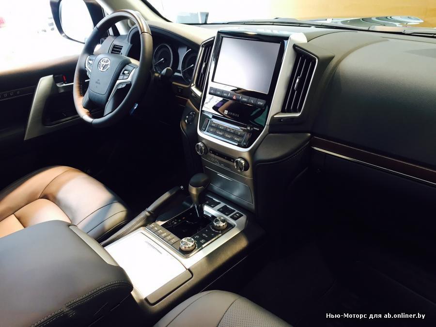 Toyota Land Cruiser 200 Comfort