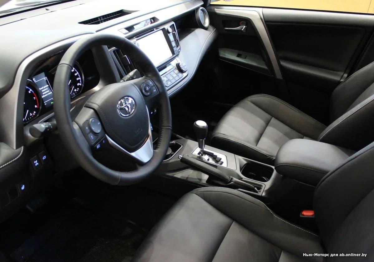 Toyota RAV4 Престиж Safety