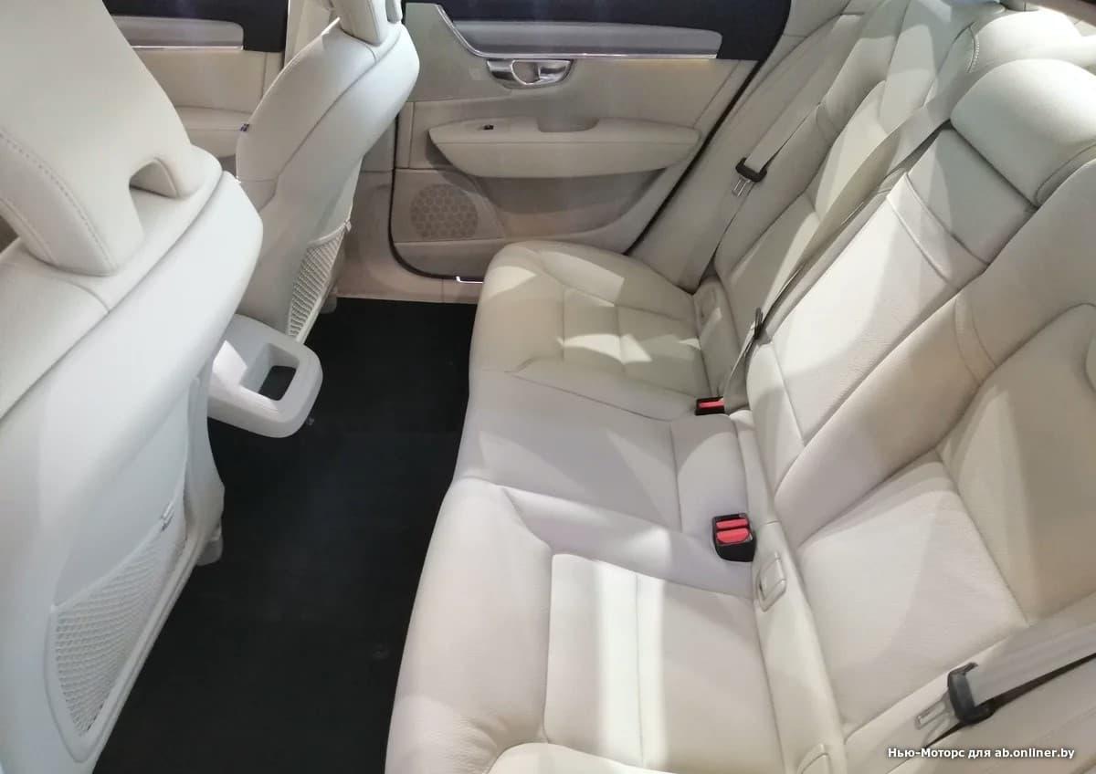 Volvo S90 Momentum T4 Drive-E 190 л.с.