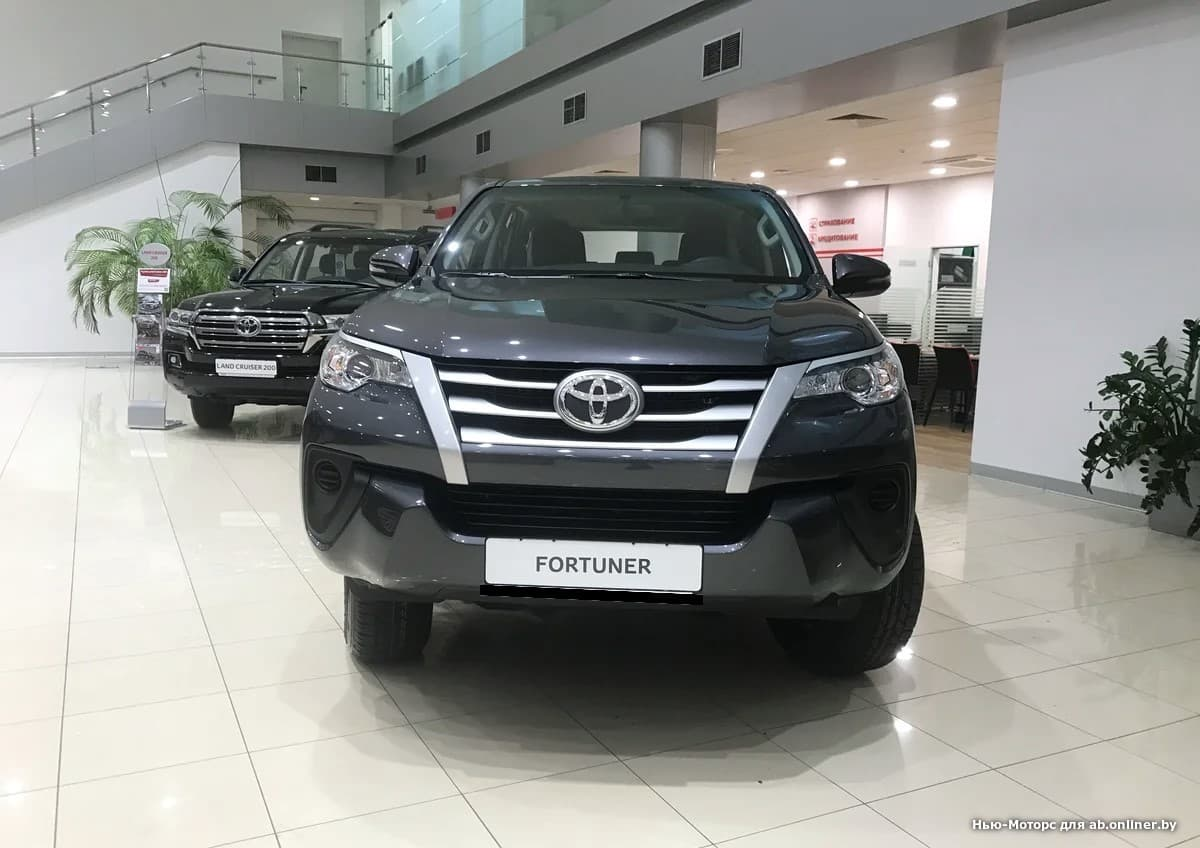 Toyota Fortuner Стандарт