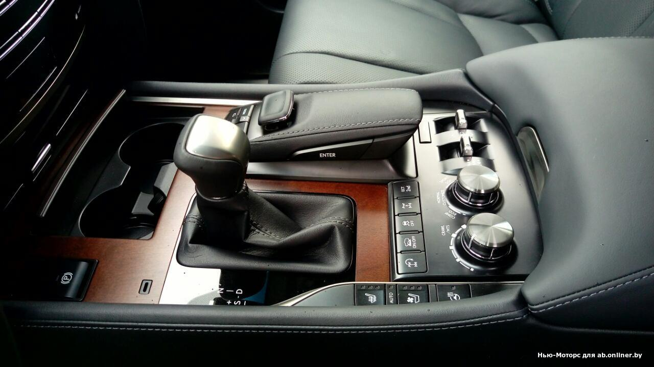 Lexus LX 450d Executive2