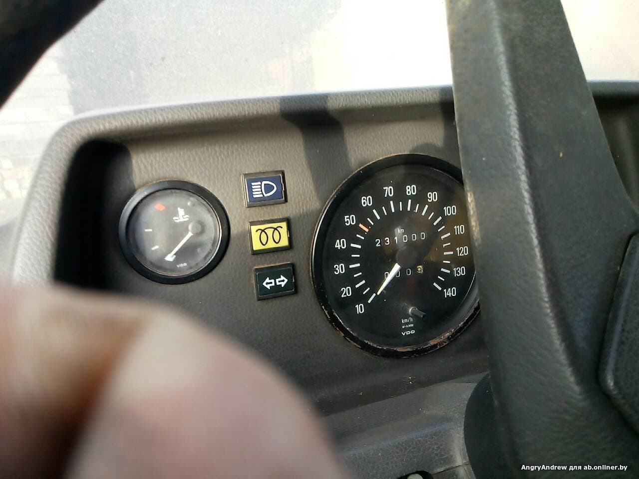 Mercedes-Benz T1 208D