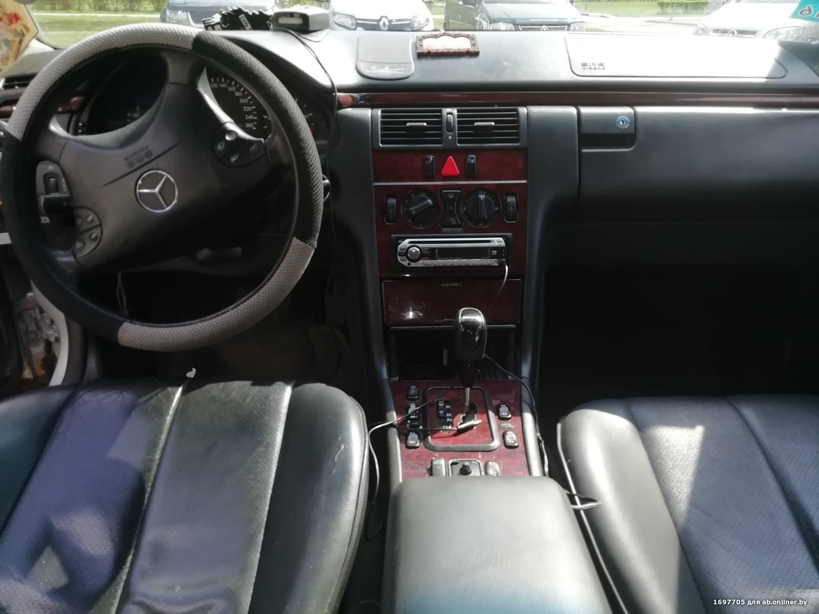 Mercedes-Benz E220