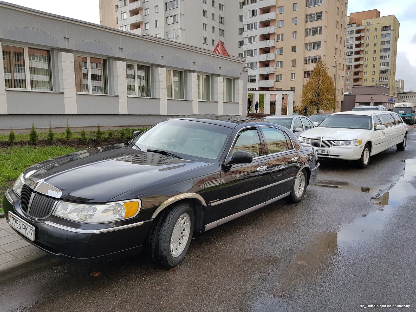 Lincoln Town Car Cartier