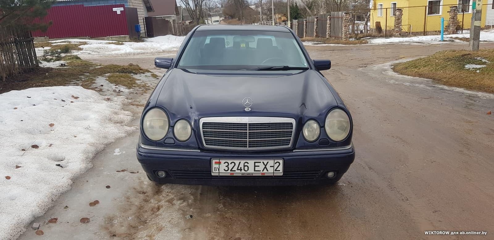 Mercedes-Benz E240