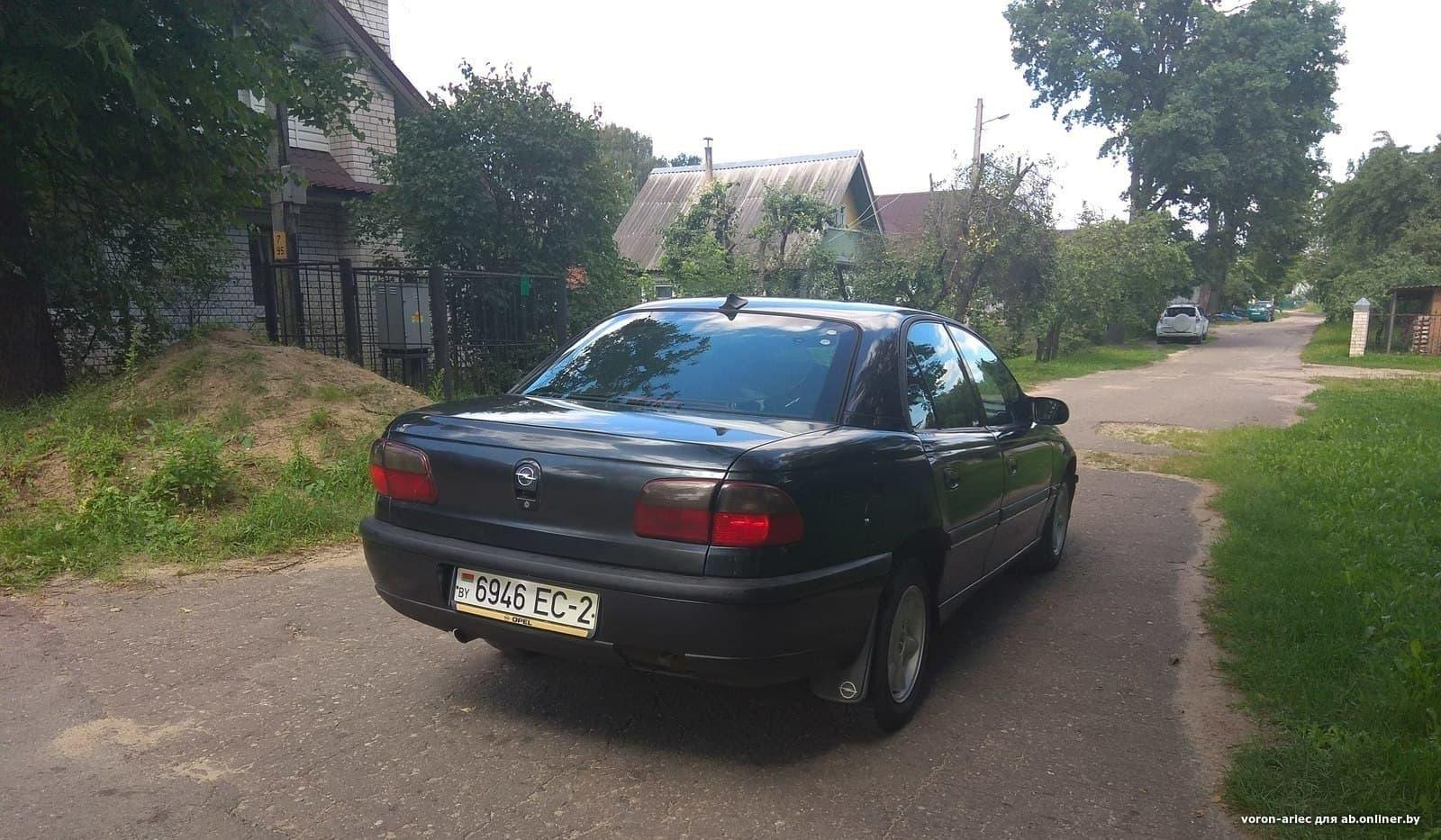 Opel Omega B 100