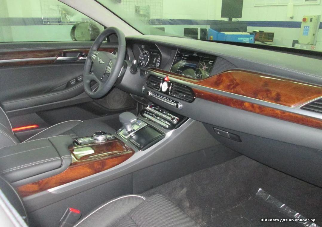 Genesis G90 3.8 PREMIER 8AT 4WD