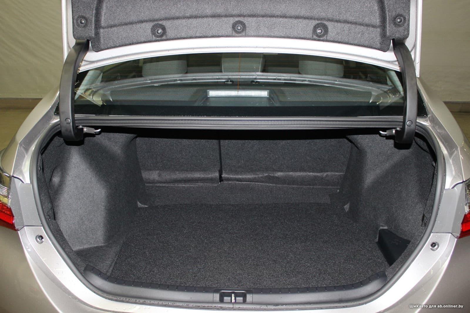 Toyota Corolla Стиль Плюс 1.6 MT