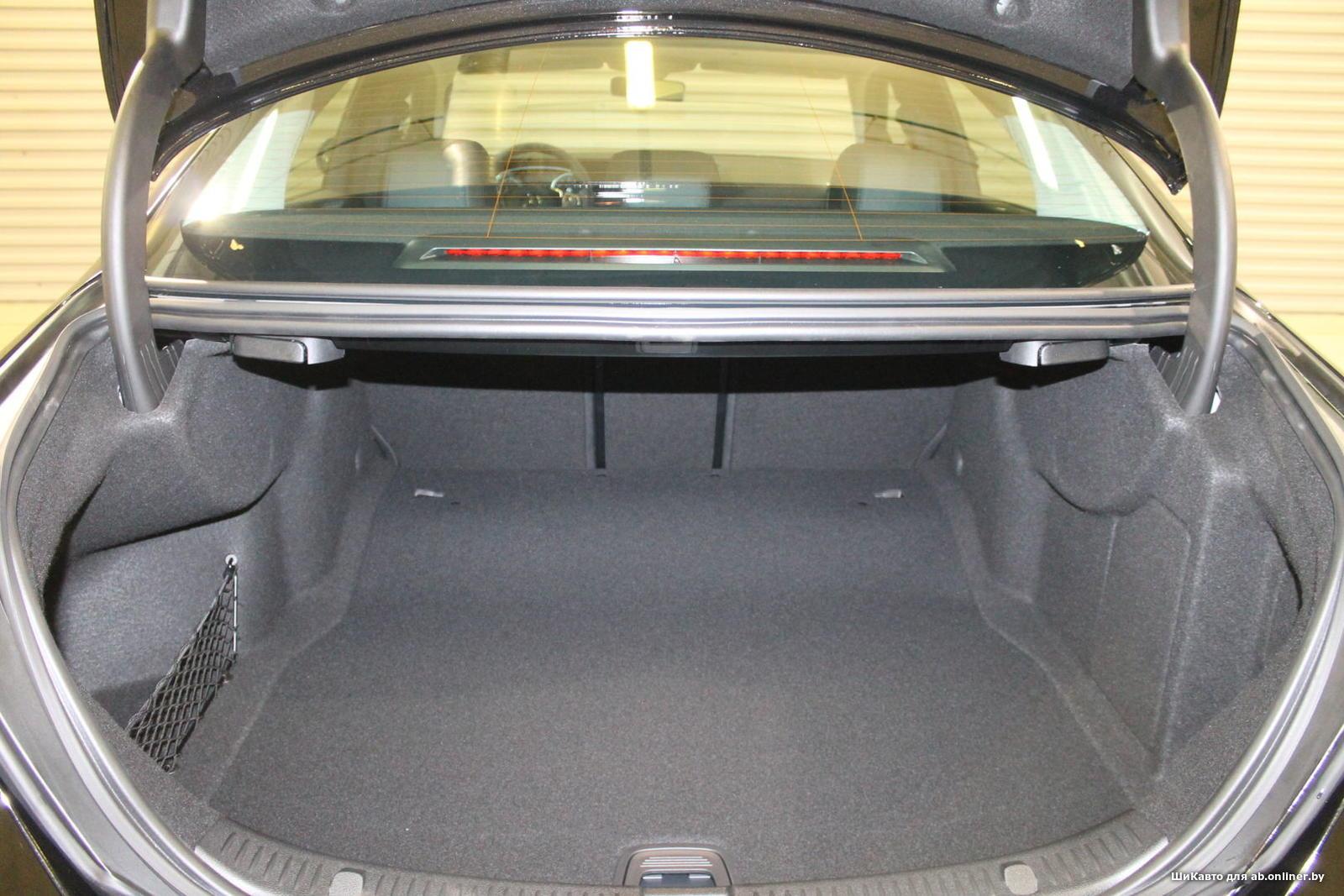 Mercedes-Benz E200 Premium