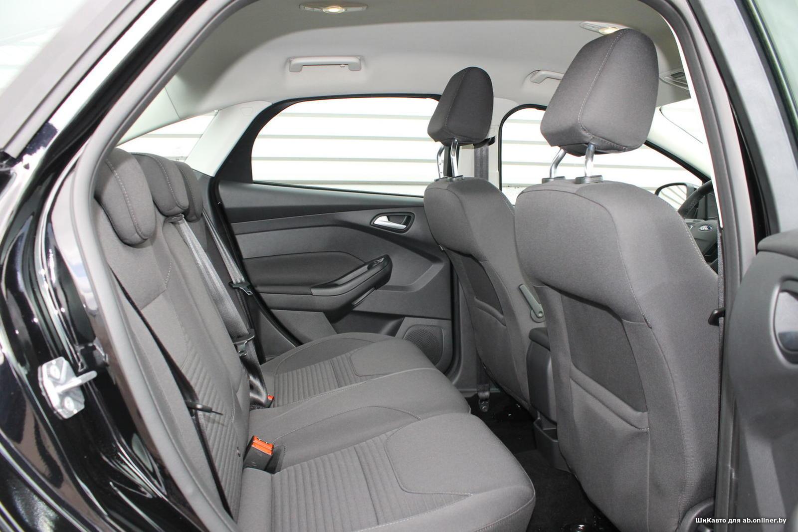 Ford Focus 1.5 TITANIUM SEDAN AT