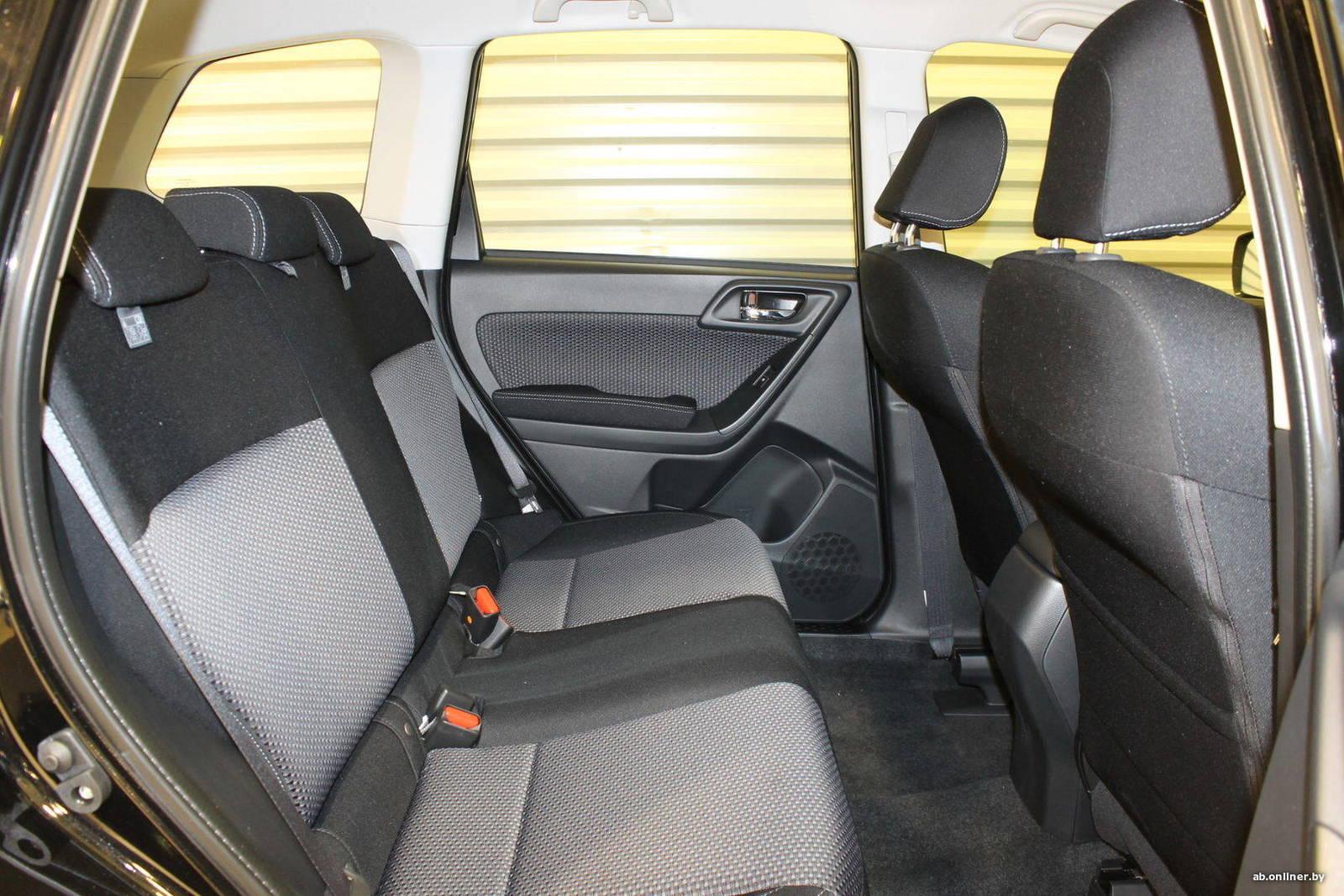 Subaru Forester STANDARD (VF) 2.0i CVT