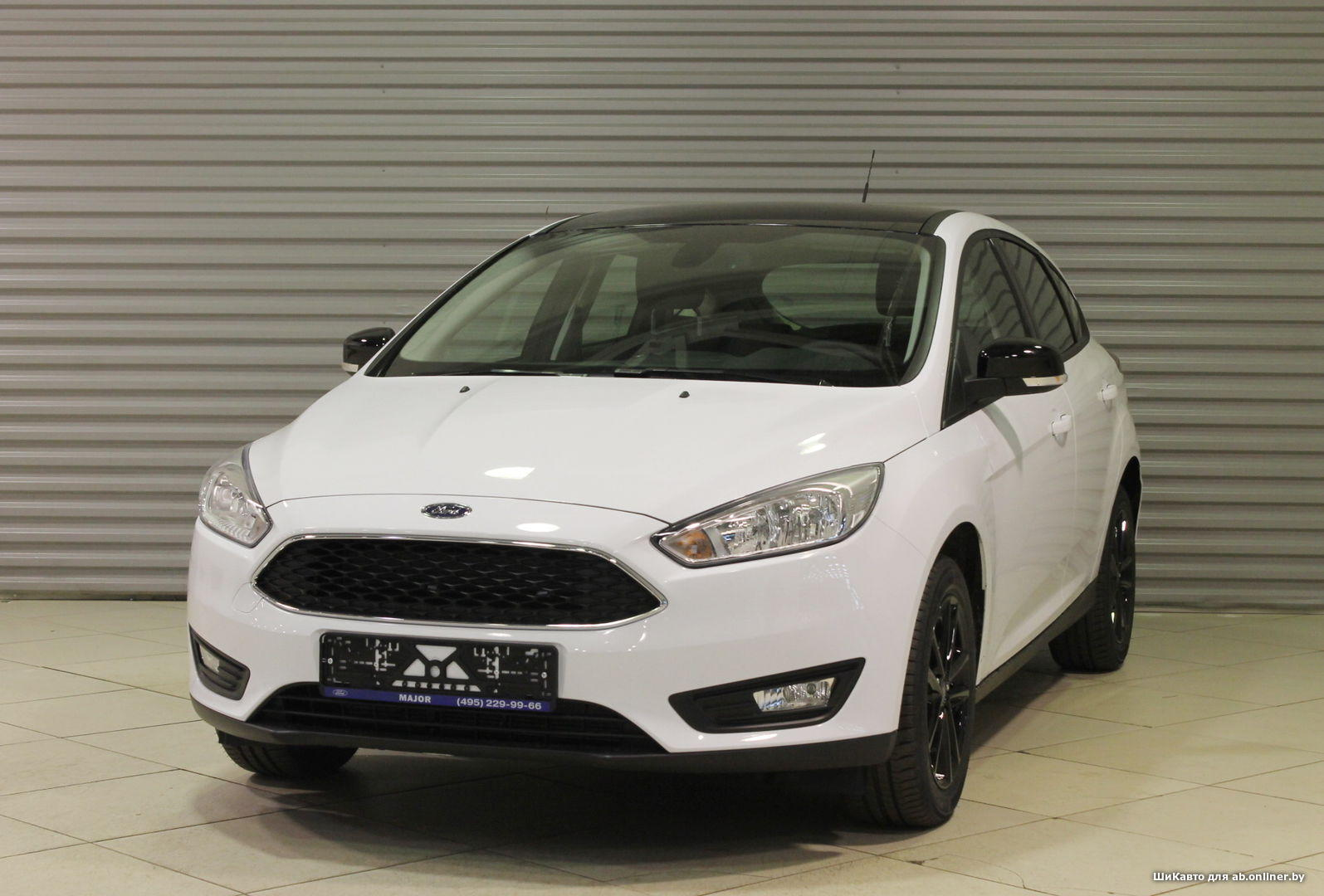 Ford Focus WHITE&BLACK MT Hatchback