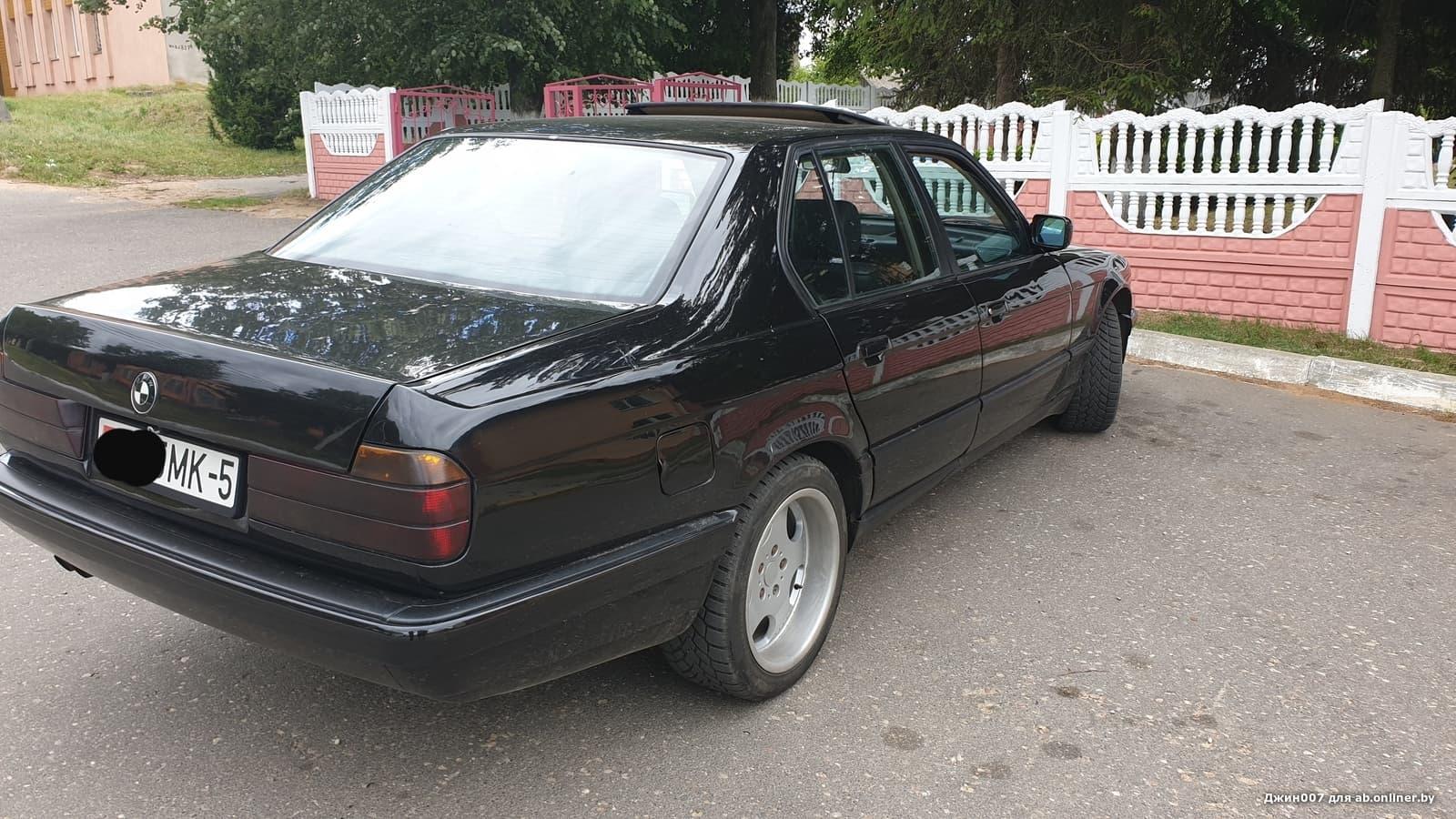 BMW 735 Е32