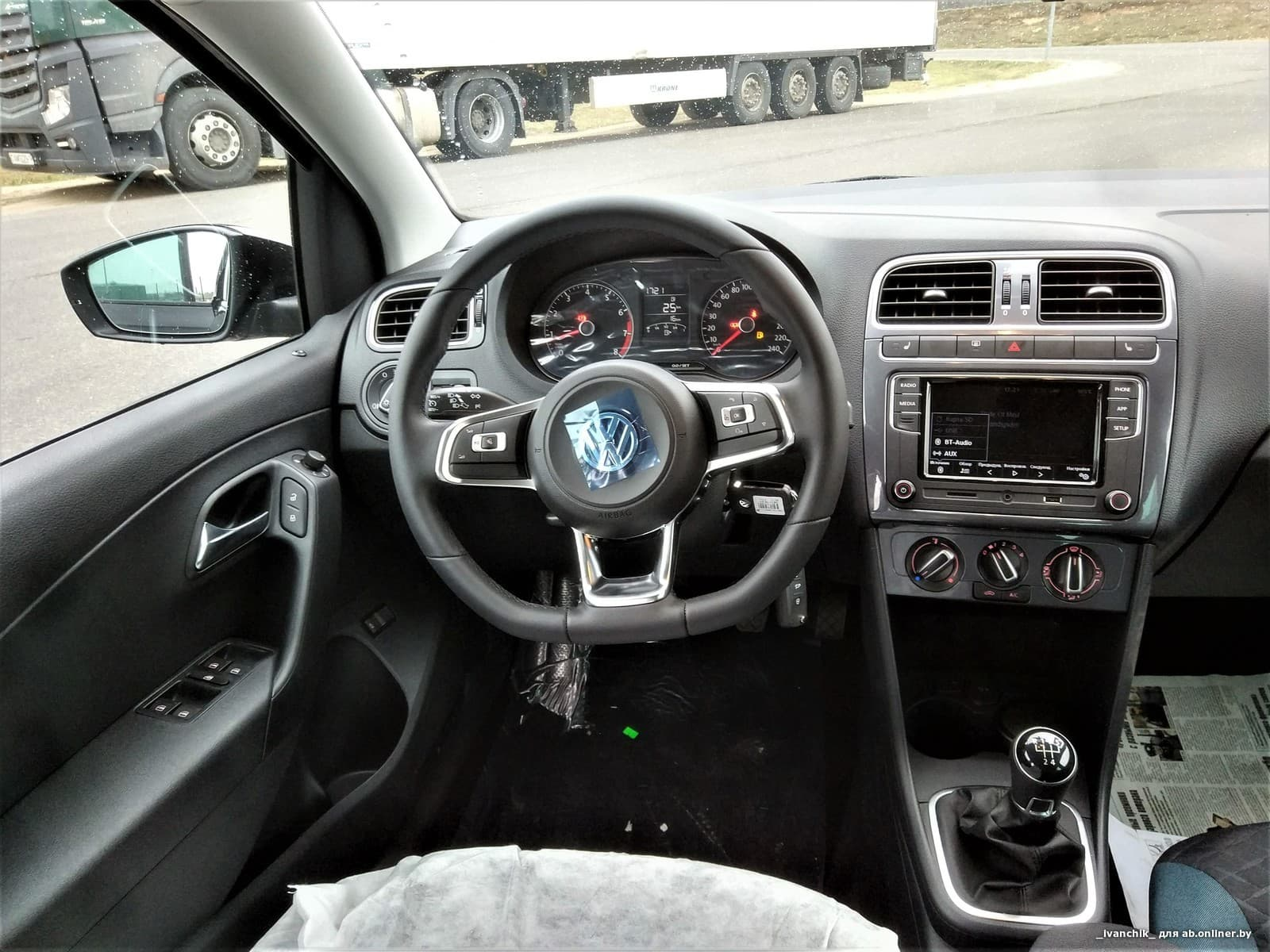 Volkswagen Polo Sedan connect