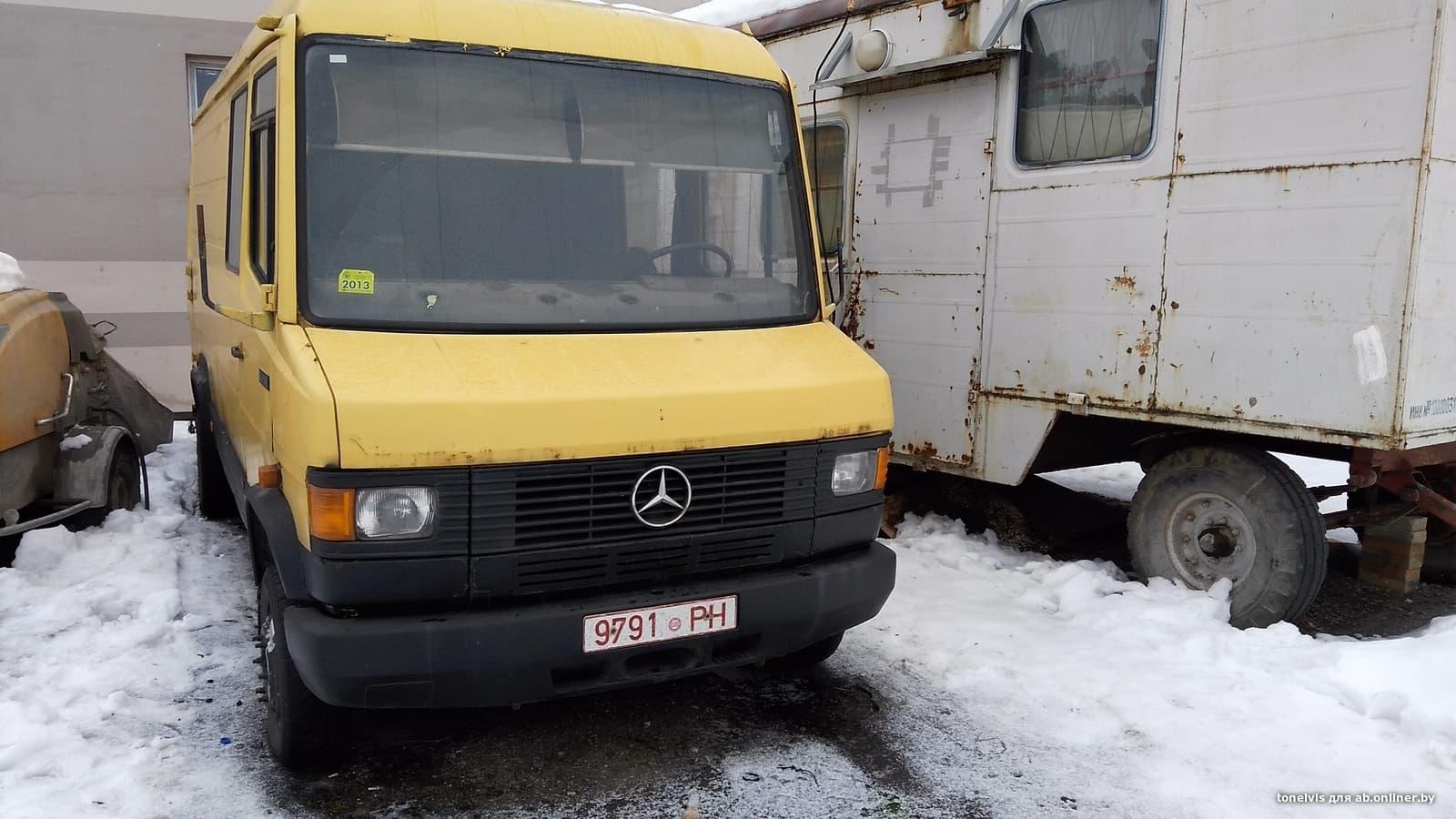 Mercedes-Benz T2 609D