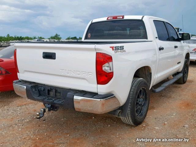 Toyota Tundra CREWMAX SR5