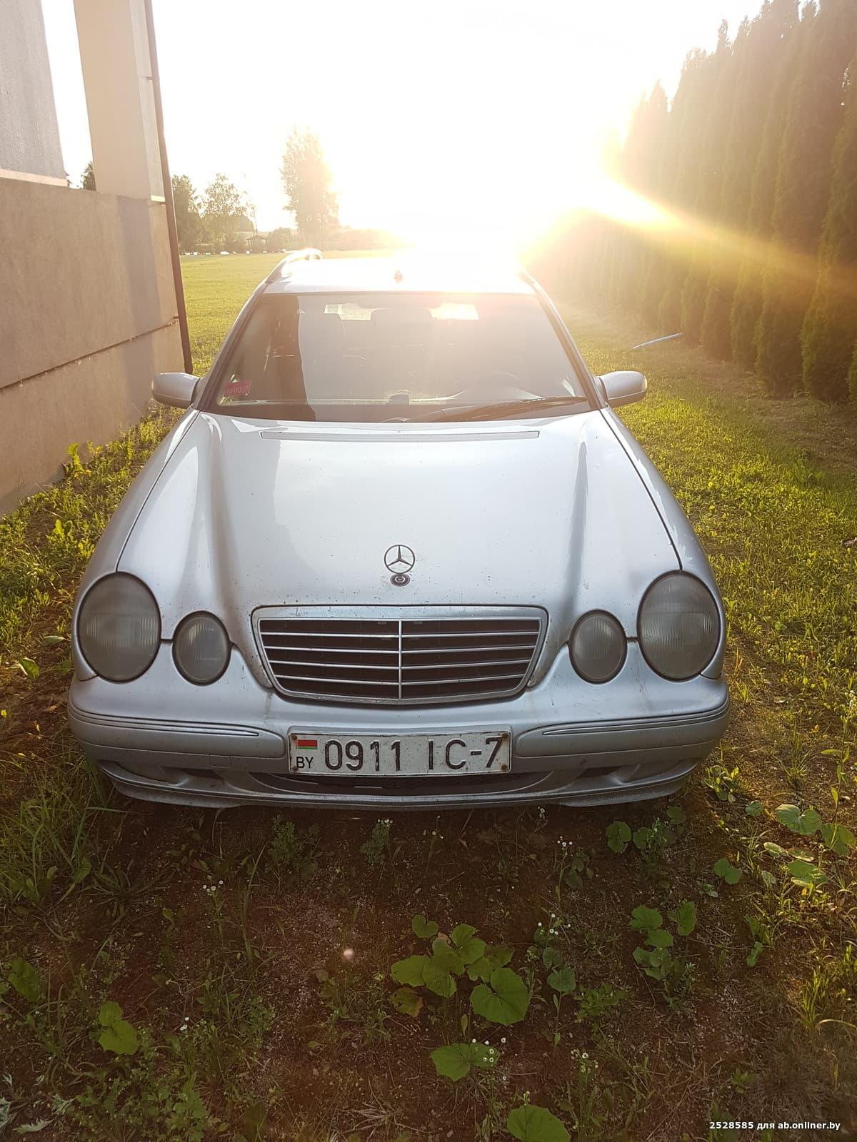 Mercedes-Benz E270 W210