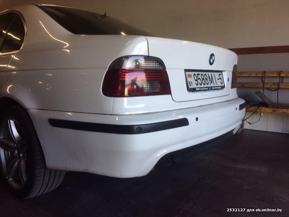 BMW 525 WHITE