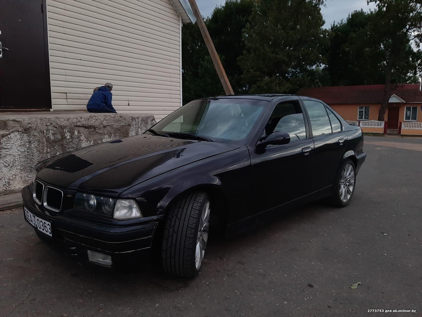 BMW 323 e36