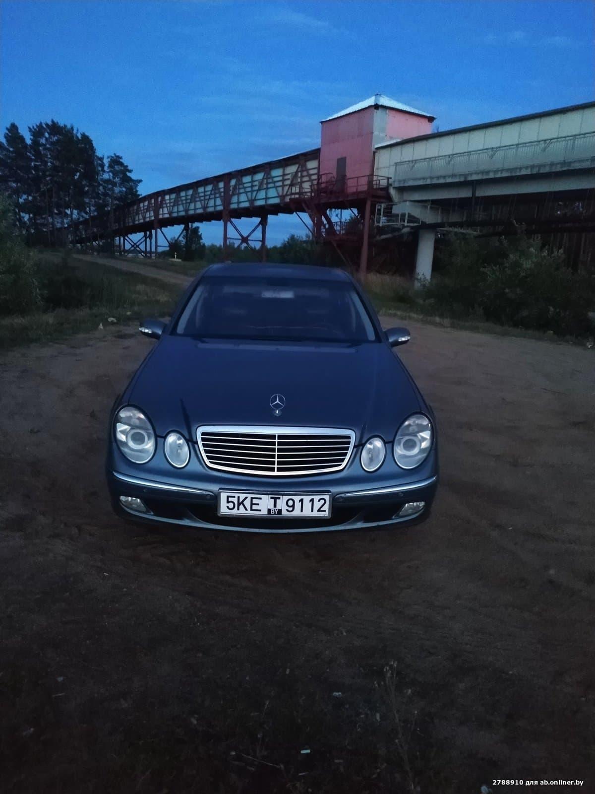 Mercedes-Benz E200 W211