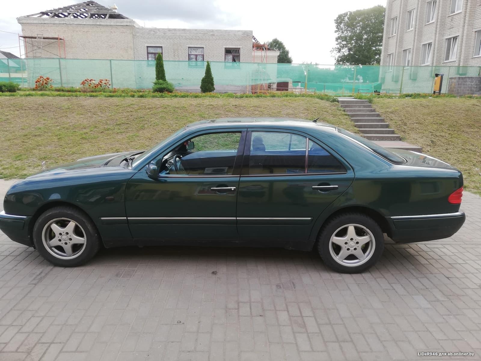 Mercedes-Benz E320 W210 S210