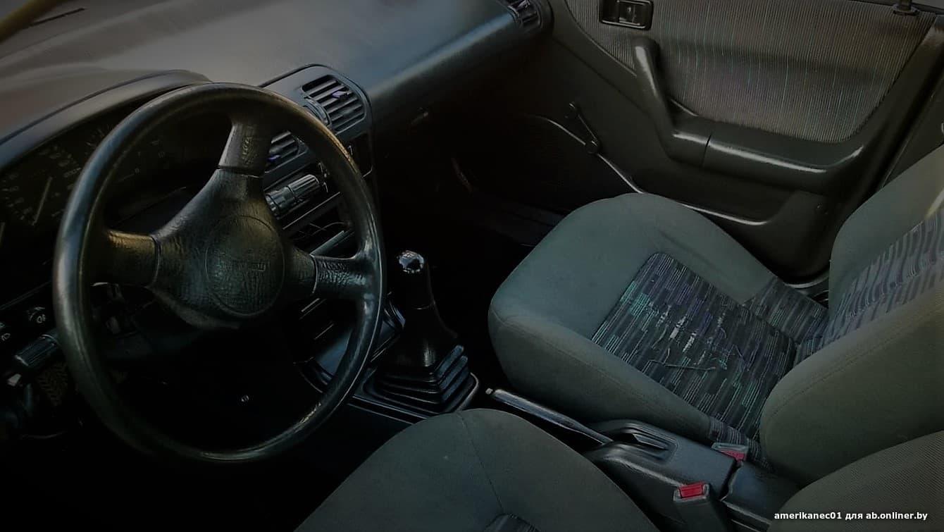 Mazda 323 F BG