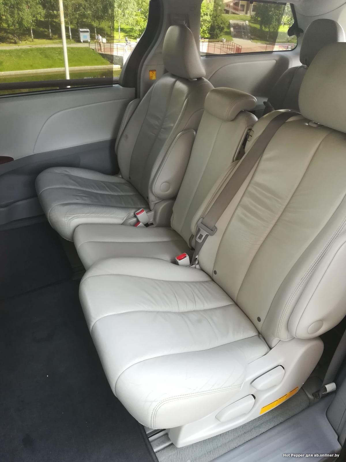 Toyota Sienna XLE  (8 мест)