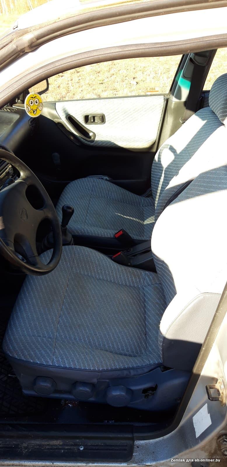 Nissan Sunny LX