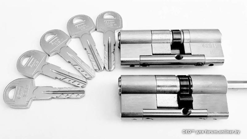 железные двери с двумя металлическими листами