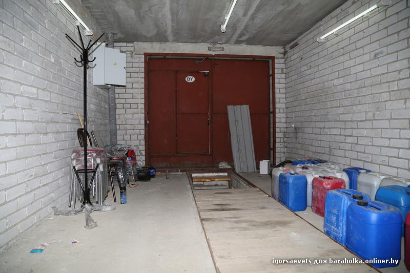 план гаража на 2 машины с хозблоком