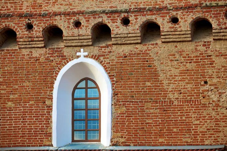 Mâchiculis Eglise-forteresse de 500 ans à Synkavichy bélarus